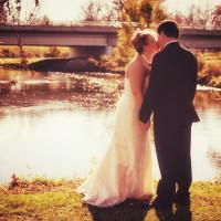 riverside kiss