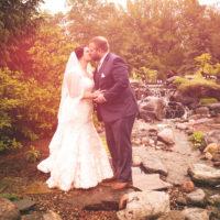 sunny wedding kiss